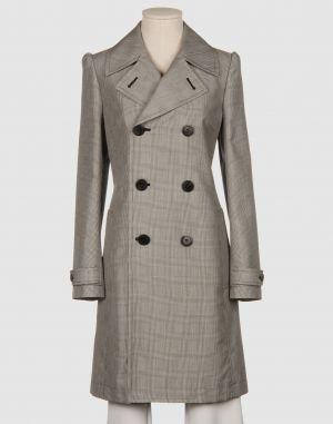 Легкое двубортное пальто